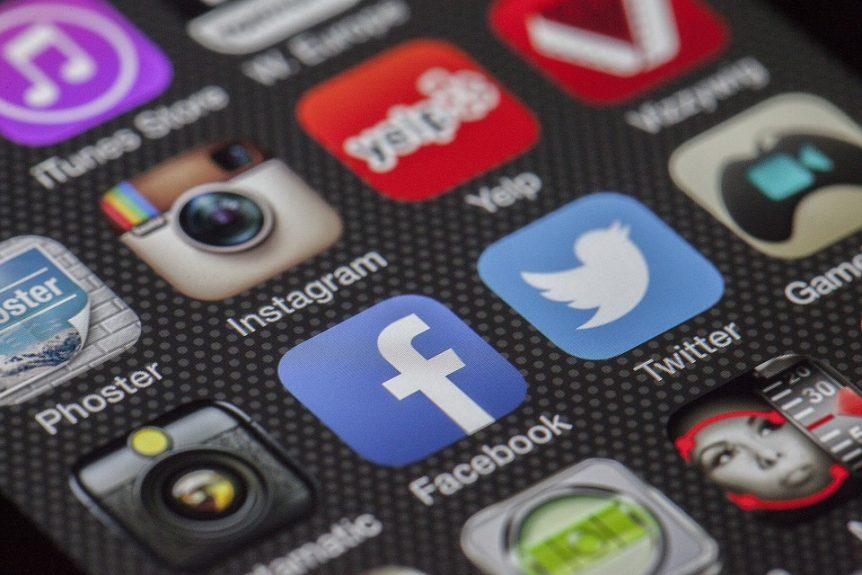 Een arbeidsrechtelijk staartje aan onverstandig en onbegrijpelijk 'sociaal geleuter op Facebook'